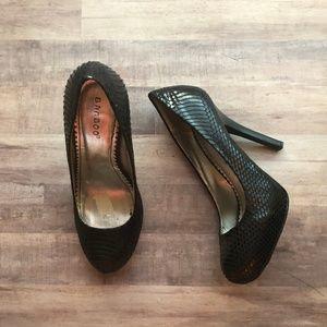Bamboo Embossed Snakeskin Black Heels Size 7